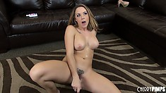 Inviting and talented actress Chanel Preston baths in love of her fans around the world