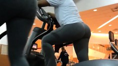 Big booty Latina shows off the sexy contours of her body in the gym