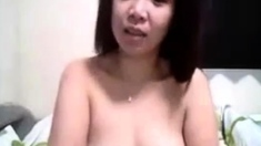 Sexy Pinay plays with me
